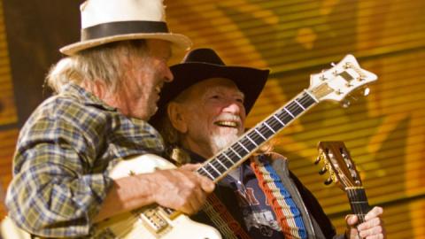Neil Young, Willie Nelson Host Nebraska Farm Concert to Protest Pipeline