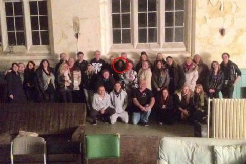 Призрак на фото в заброшенной больнице Ливерпуля