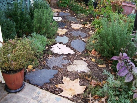 Оригинальная дорожка для сада