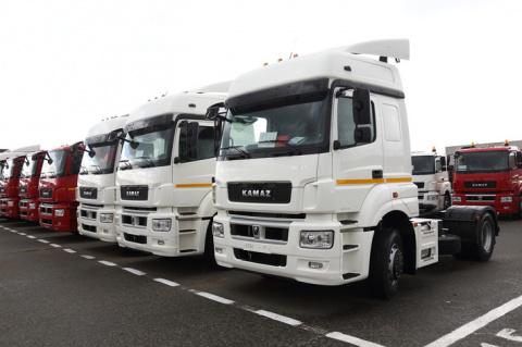 Более 100 КАМАЗов были переданы крупной частной компании