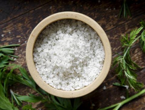 Морская соль — Польза и вред для организма, применение