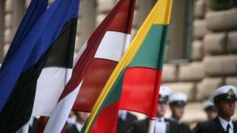 Гибридная война Запада в Прибалтике: атака на фарватер Финского залива
