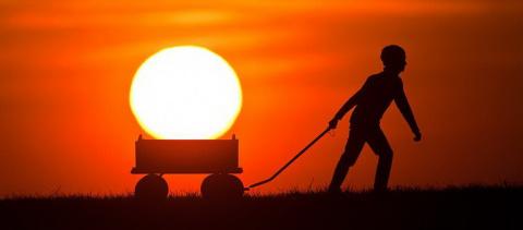 На Украине могут запретить Солнце, потому что оно встает со стороны России