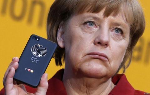 Свидомые украинцы больше не любят Меркель. Европа предала единоУкраину.