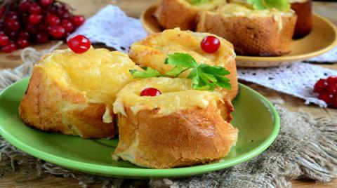 Быстрые пирожки из хлеба с рыбой