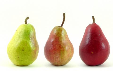 Еда для гипертоника: что лечат айва, слива и груша