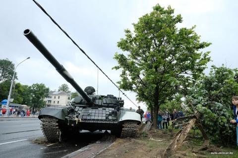 Переполох с танками в минске