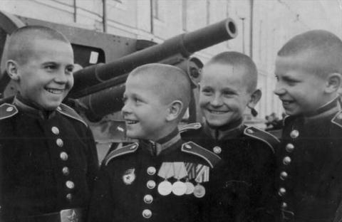 Суворовцы: как формировалась военная элита страны