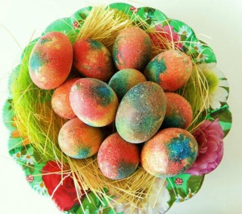 Чем покрасить яйца в домашних условиях