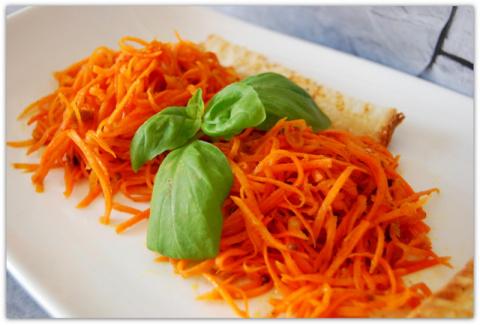 Очень вкусная пряная морковка.