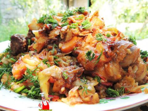Овощное рагу с картошкой и мясом.