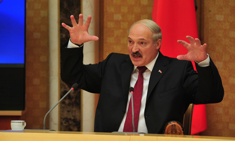 Лукашенко заставит тунеядцев трудиться
