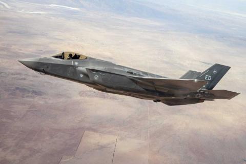 F-35 показал на учениях полн…