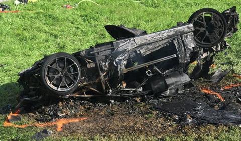 Бывший ведущий Top Gear попал в жуткую аварию в Швейцарии (ВИДЕО)