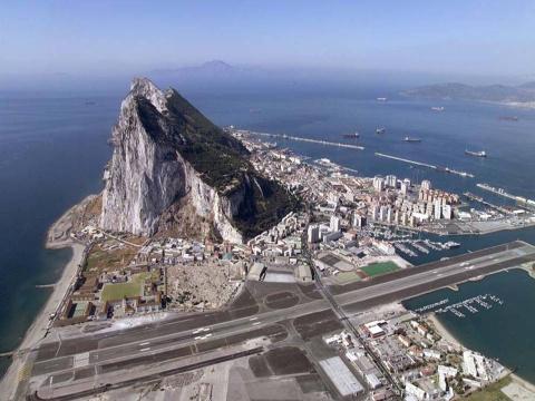 «Гибралтар наш»: заберет ли Испания исторические владения у Британии