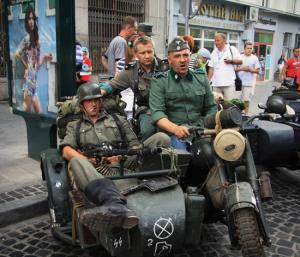 Бандеровцы довели поляков до ручки: во Львов приехали украинские фашисты в форме СС