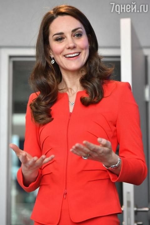 Герцогиня Кэтрин пожаловалас…