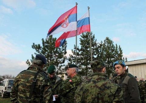 «Российская военная база помогла бы Сербии отстоять свою независимость»