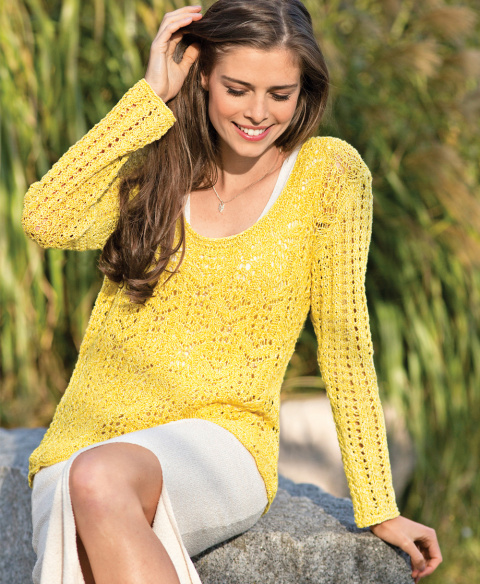 Пуловер с ажурным узором спицами