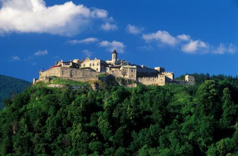 Замок Ландскрон, Австрия (Burg Landskron)