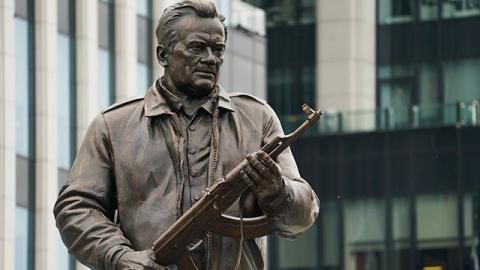 Макаревич о памятнике Михаилу Калашникову в Москве: Позоримся перед всем миром