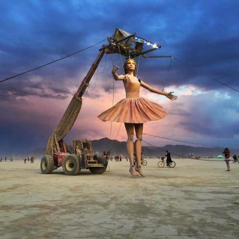25 свежих фотографий с безумного фестиваля «Burning Man», которые вас удивят