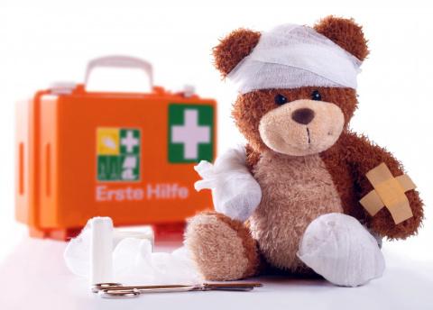 Первая помощь малышу в экстр…