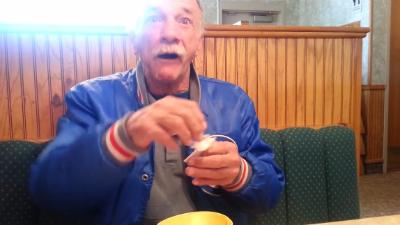 Видео с будущим дедушкой ста…