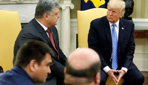 Полный провал: в ночь выборов в США Порошенко отправил Клинтон телеграмму с поздравлением - этого Трамп может не простить