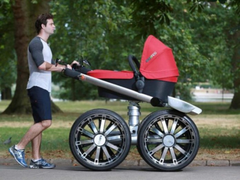 Папаша гулял с коляской, ког…