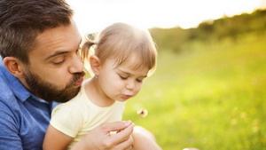 Отцы играют ключевую роль в …