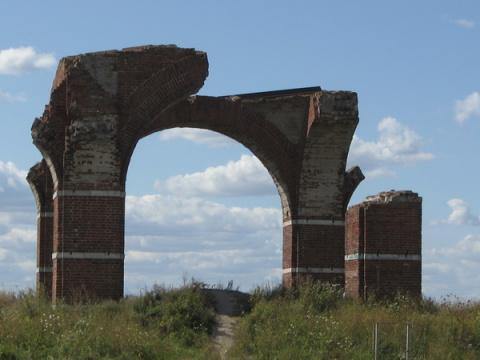 Развалины церкви, городище С…