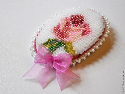 МК вышивки бисером маленькой пасхальной броши (со схемой)