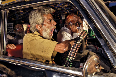 Жаркие будни индийских таксистов