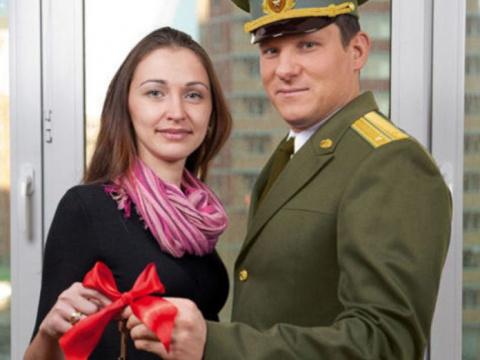 Жена военного нашла в чемода…