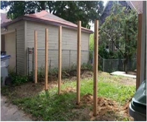Соседи зря смеялись, когда он установил эти 6 столбов!