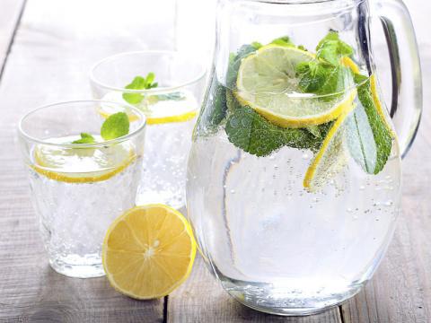 Вот какие болезни можно вылечить, если пить больше воды