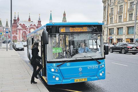 В центре столицы автобусные маршруты затянут в узел