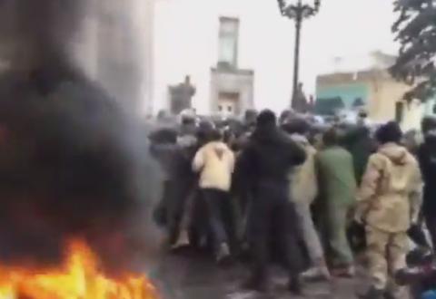 В Киеве произошли столкновения между полицейскими и митингующими
