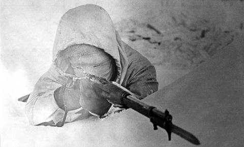 7 лучших снайперов в истории…