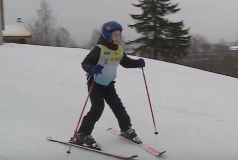 Особенные дети встали на горные лыжи в Карелии