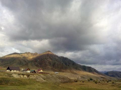 Прячься, кто может: Путешествие по Горному Алтаю накануне зимы
