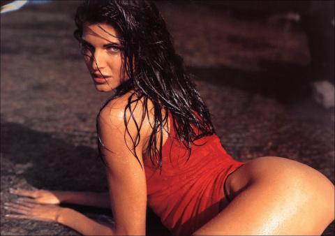 Секс-символ 90-ых Стефани Сеймур во всей своей красе.