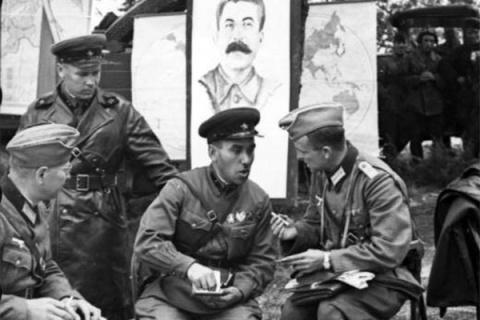 Зачем Сталин подружился с Ги…