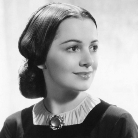 Любимой Мелани из «Унесенных ветром» исполнился уже 101 год. Недавно Елизавета II жаловала ей титул