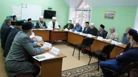 Старейшие мусульмане Набережных Челнов просят придать татарскому языку статус государственного в РФ
