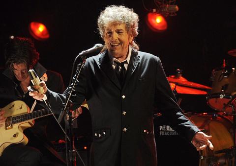 Нобелевский лауреат Боб Дила…