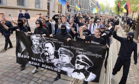 Антирусский фронт идет на восток…
