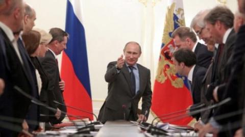 Путин поставил правительству…