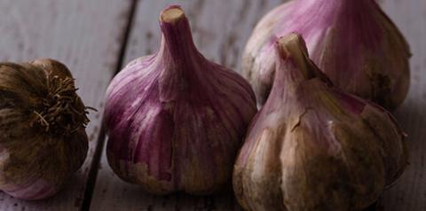 Чеснок для снижения холестерина в крови: 9 рецептов народной медицины
